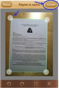 Vous ajustez les bords du document en faisant glisser les ronds